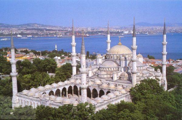 """""""Sultan Əhməd"""" məscidinin minarəsi uçurulacaq"""
