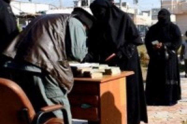 """İŞİD-in misirli komandiri 4 milyon dollar """"zəkat"""" pulunu götürərək, Suriyadan qaçıb"""