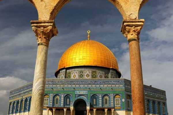 Dünyada ən çox yayılmış 10 din və xüsusiyyətləri